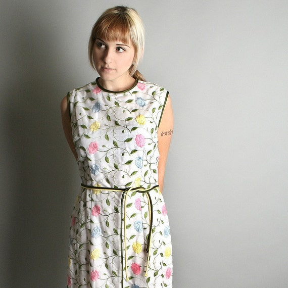 1960s Tunic Dress Pastel Colorful Embroidered Floral Picnic Dress Large Spring Fashion
