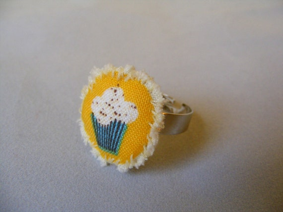 Ring Cupcake Pillow