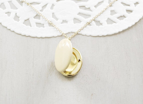 Vintage Oval Locket - Honey Yellow Enamel
