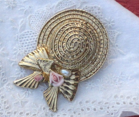 Vintage 1928 Hat Brooch with Porcelain Roses and Faux Pearl