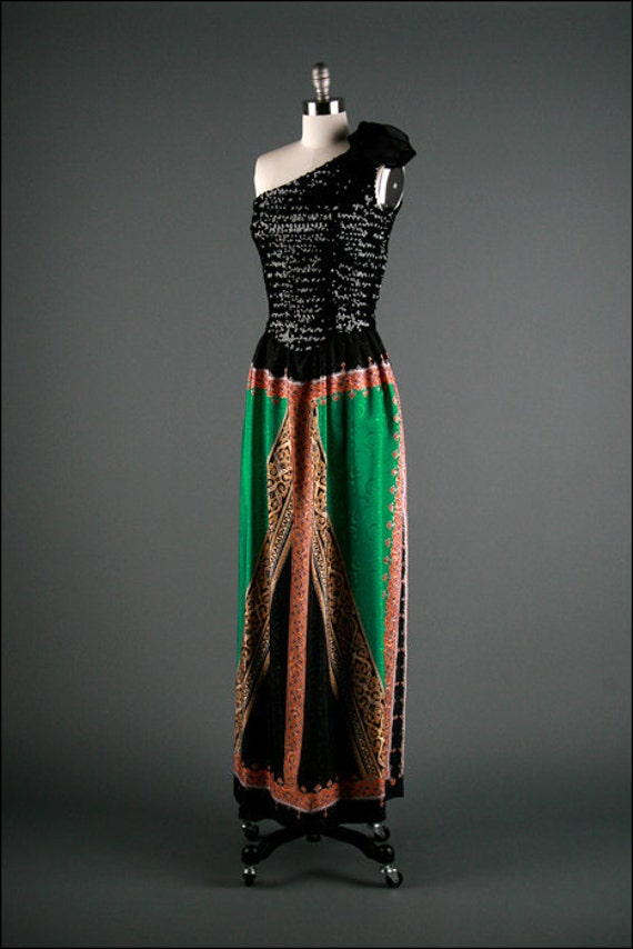 Vintage 1970s Dress . One Shoulder . Scarf Print . Sequins . 1169
