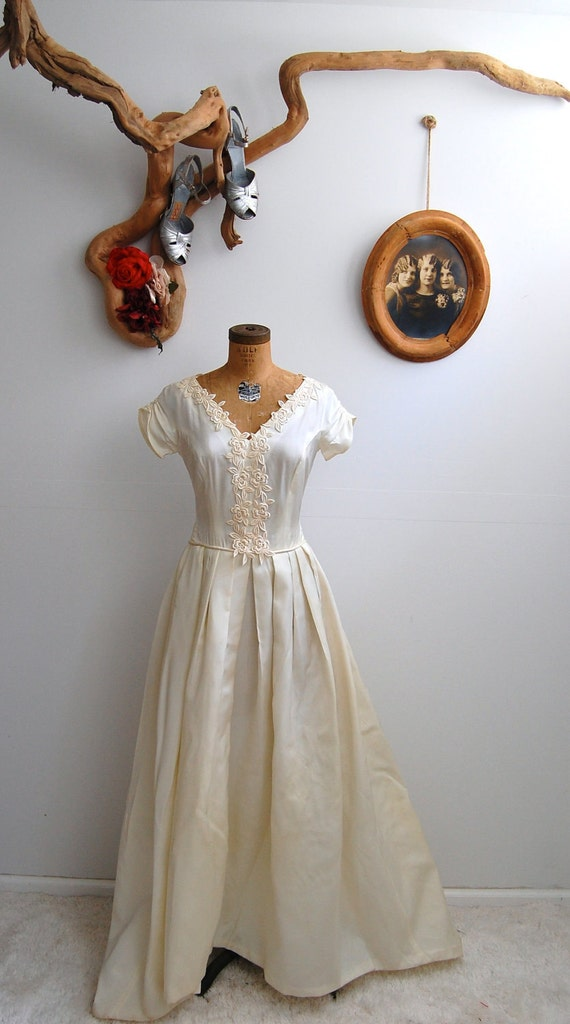 Vintage 1950s Wedding Dress 50s Ball Gown The Cecile