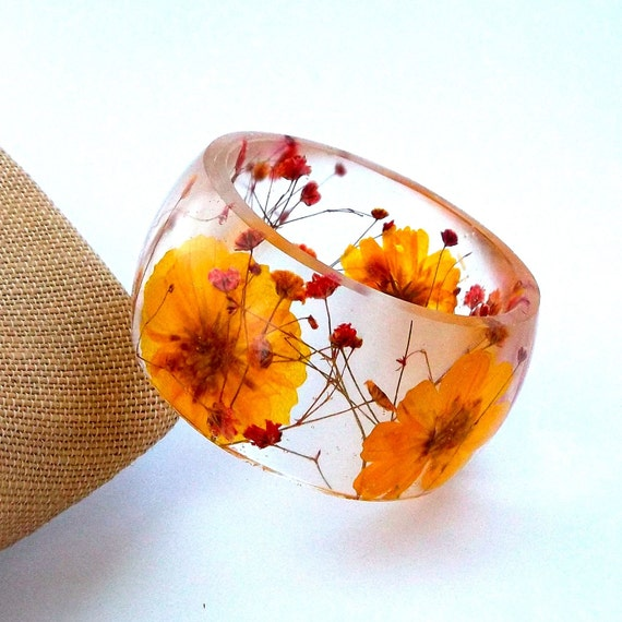 Size XL Botanical Resin Bangle.  Yellow and Red Pressed Flower  Bracelet.  Plus Size Bangle with Real Flowers.  Cosmos and Baby's Breath