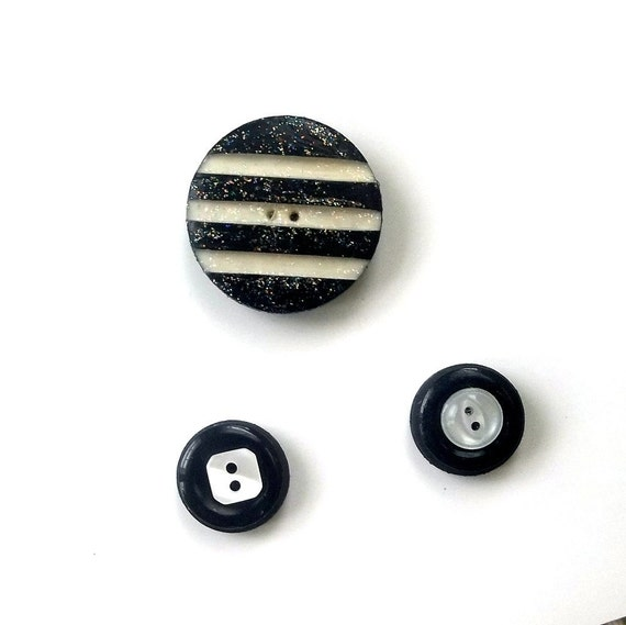 Button Magnet Circles and Stripes Black White