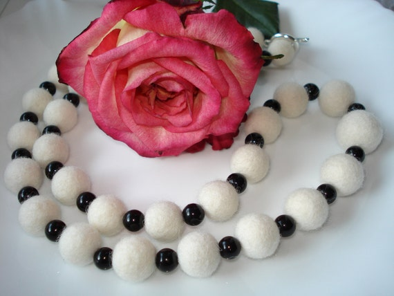 Wool Felt Necklace / Wool Balls and Black Agate Onyx by IRINAFELT - 26.00 EUR from etsy.com