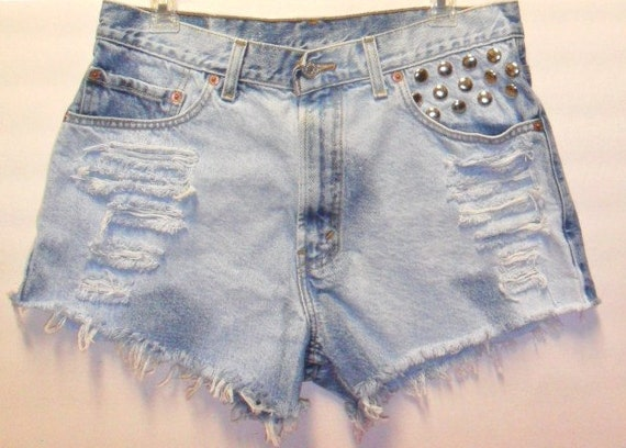 Vintage Levis High Waist  Denim Shorts with Studs Waist 33 inch