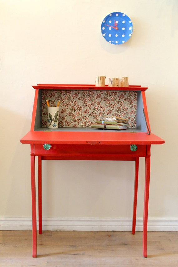 Susannahbean under the coral canopy for Petit bureau secretaire