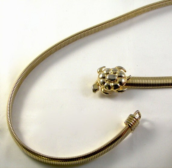 Vintage 1980s Small Sea Turtle Belt in Stretchy Goldtone Metal
