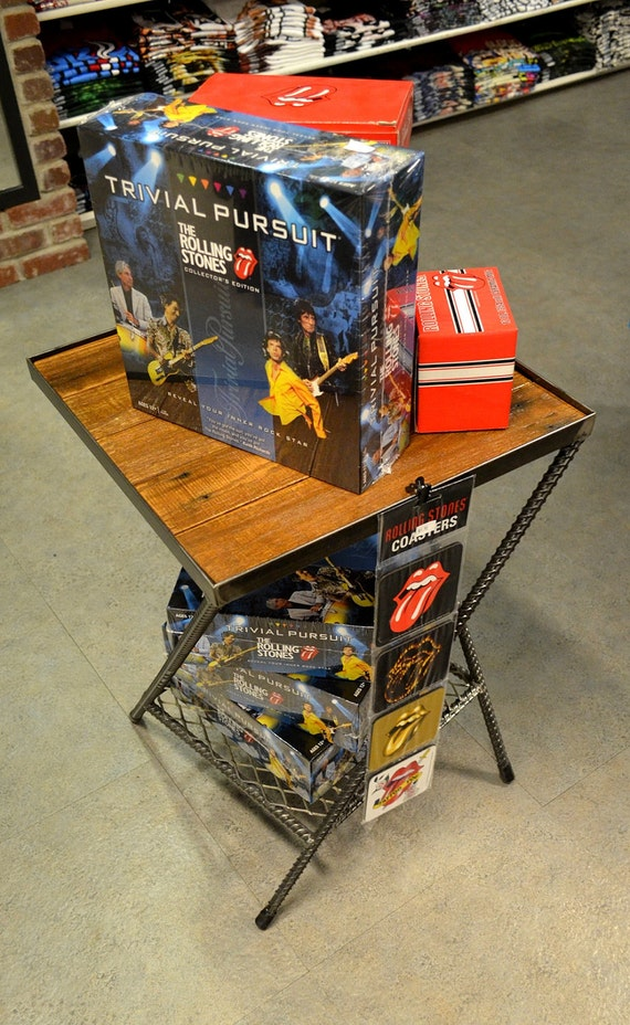 Paletas y barras de refuerzo regenerado pequeña tabla primitiva Plaza