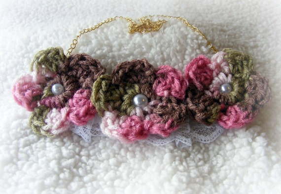 Necklace Bib Style Flowers  Soft & Pretty