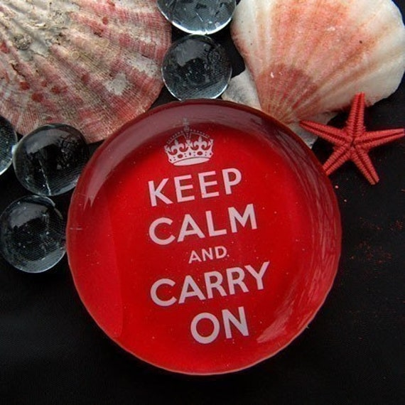 PAPERWEIGHT Keep Calm and Carry On GLASS round pink-red 2.5 inches