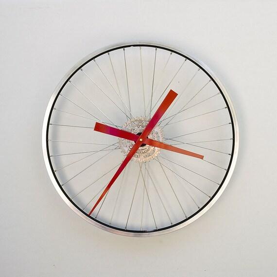 Relógio feito com aro de bike reciclado Il_570xN.88676843