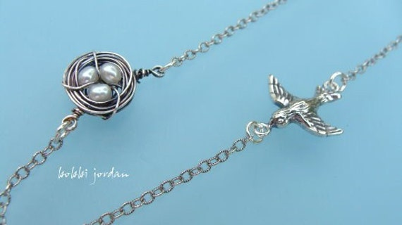 S I S K I N ....Single parent bird and nest family...oxidized sterling silver and freshwater pearl necklace...