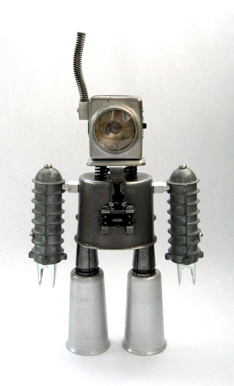 Fuentes de Información - Adoptabot, pequeños robots hechos de