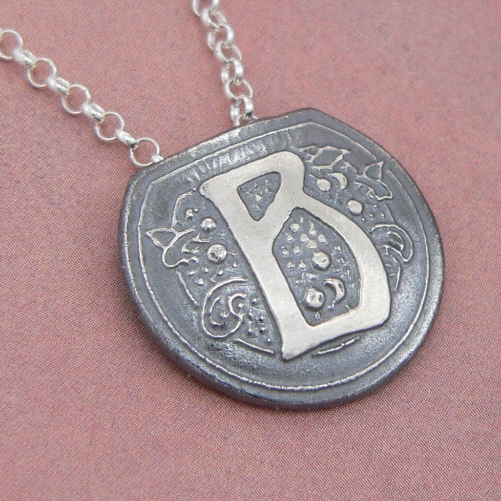 Mother's Day gift idea: art nouveau pendant