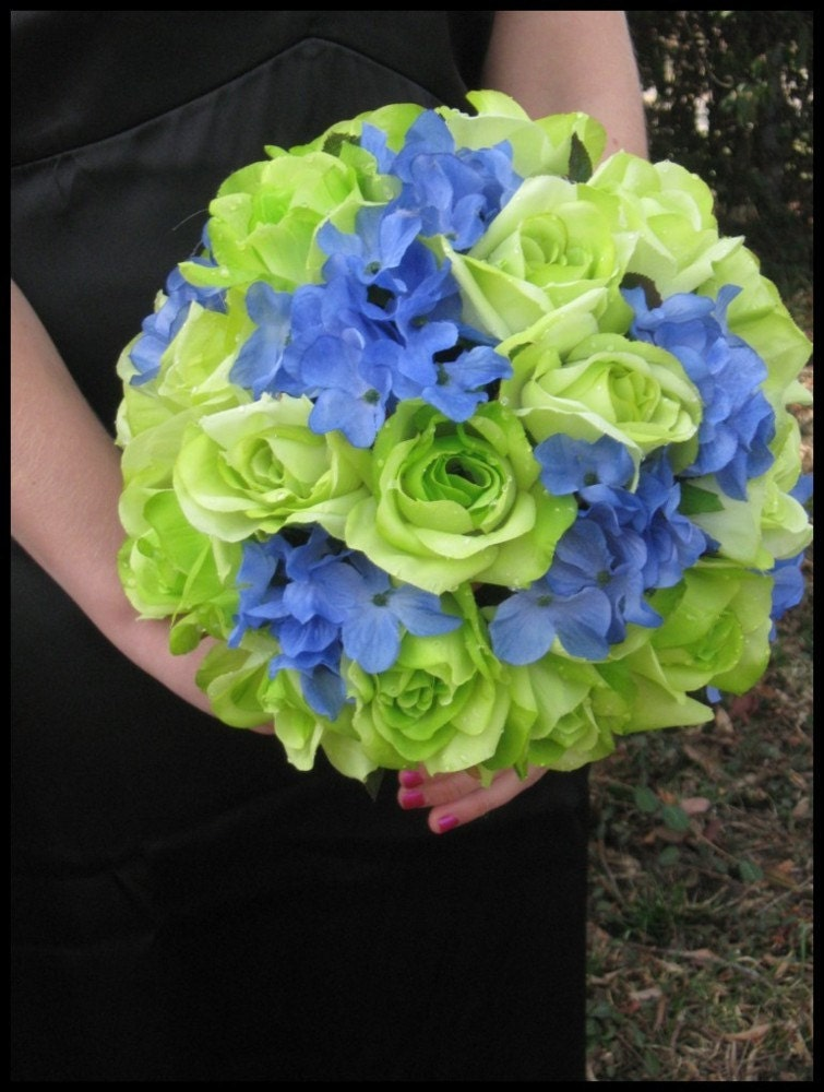Beautyful flowers blue and green roses nice for Lime and blue