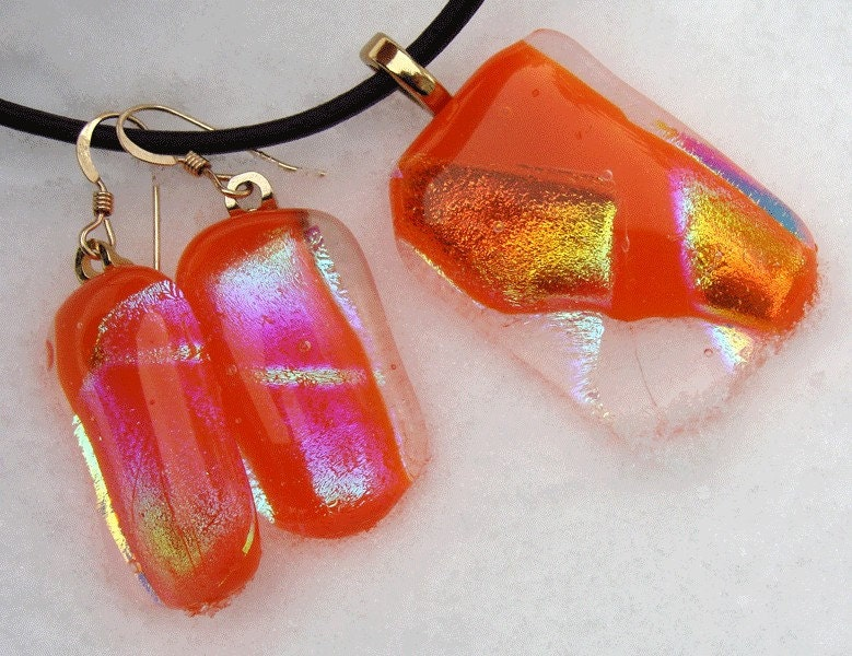 Sunrise orange glow pendant by Keiglass