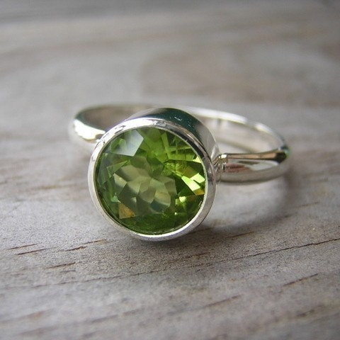 peridot ring sterling silver