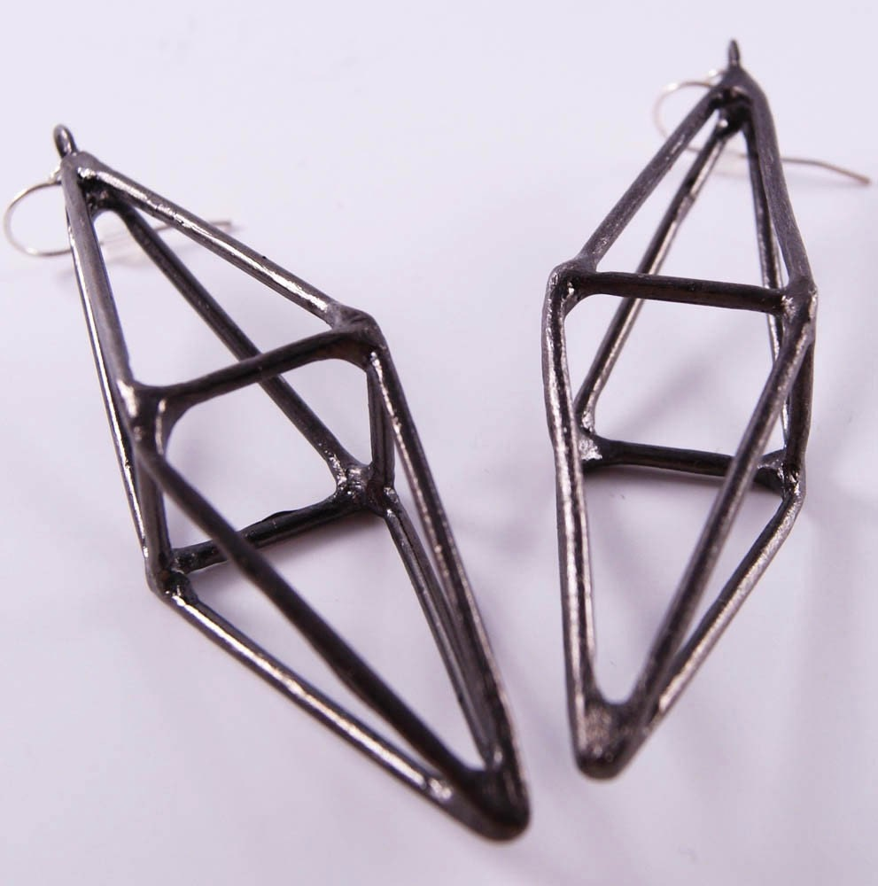 octahedron-earrings-gunmetal-2