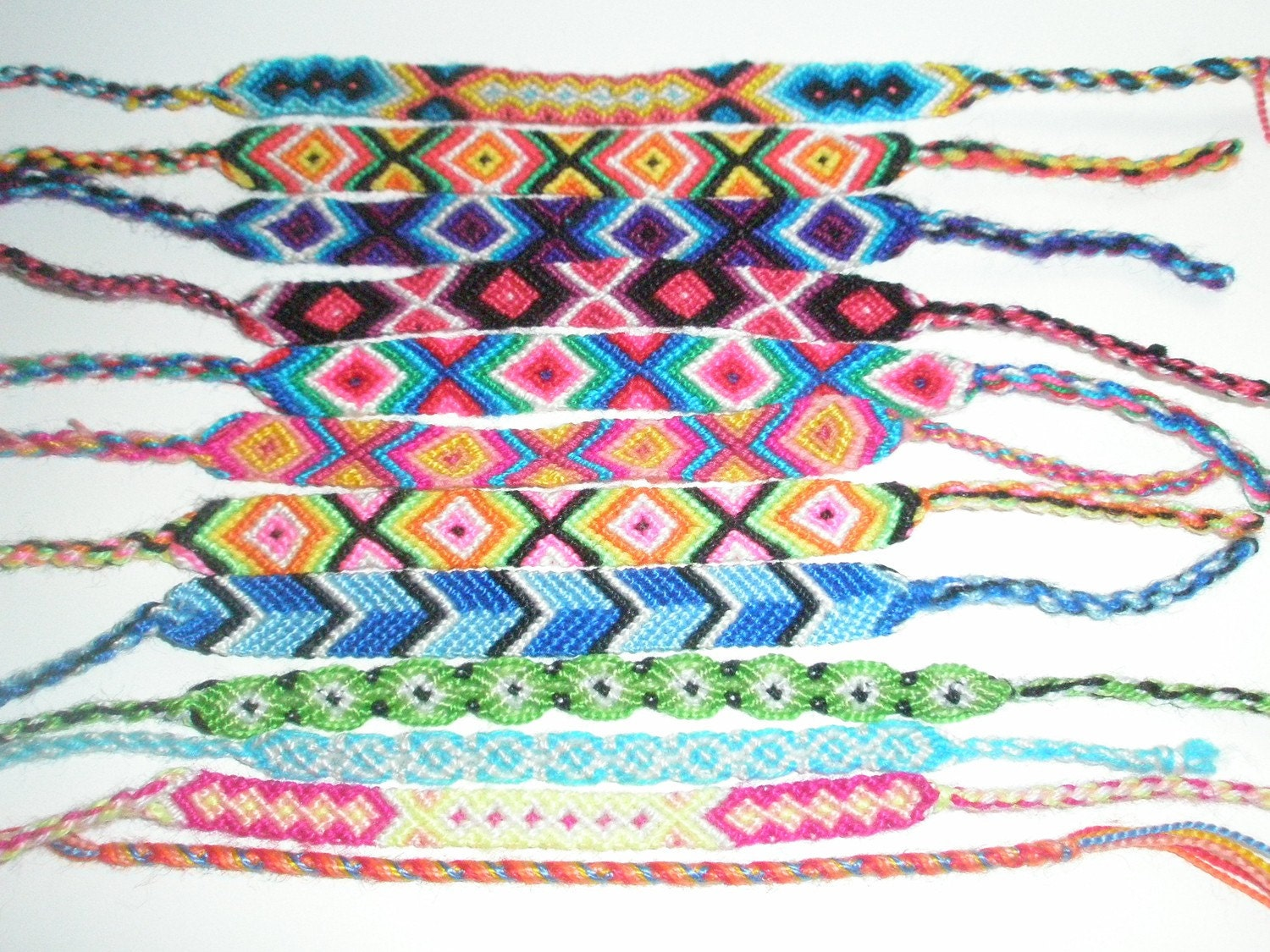 How to Make a diamond patterned woven friendship bracelet « Jewelry
