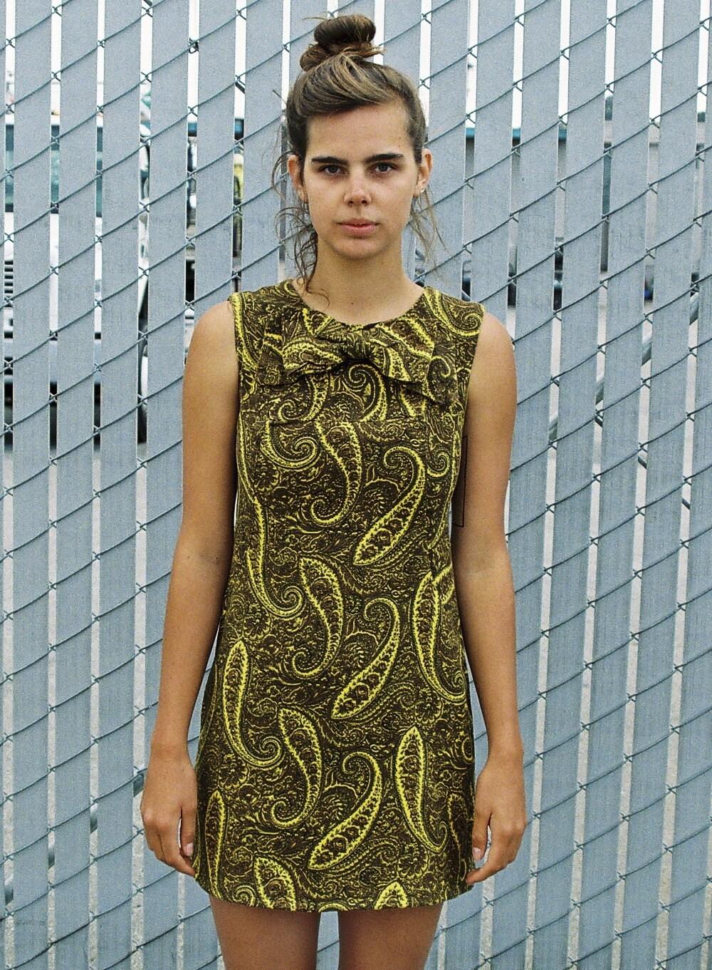 That Damn Green Dress: October 2010