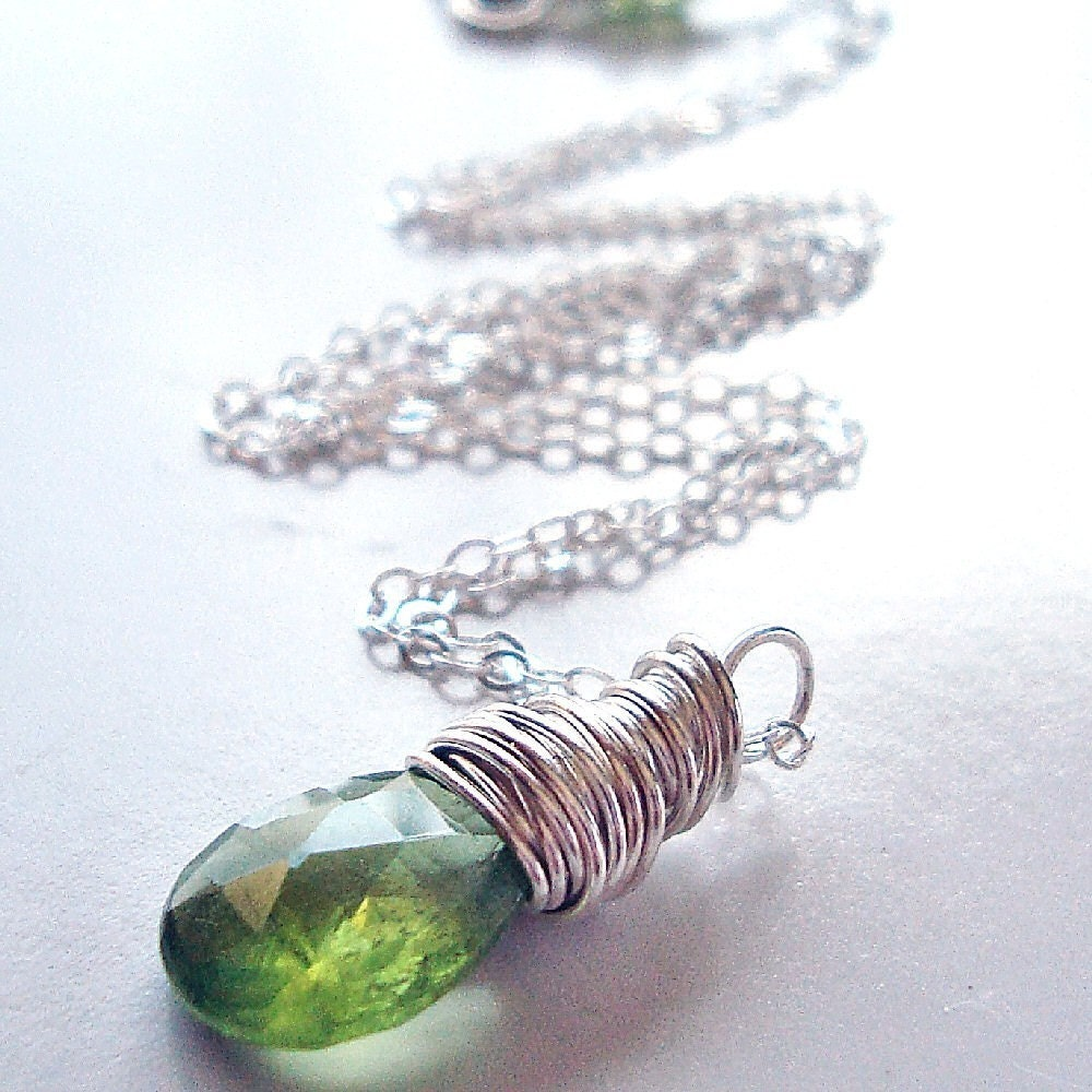 peridot necklace sterling silver