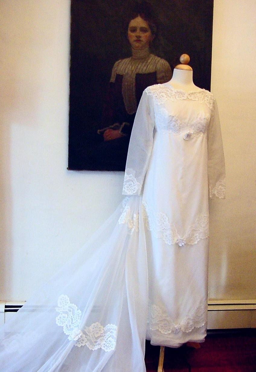 Wedding Gown 1960s PETITE