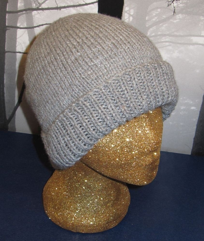 Adult hat knitted pattern