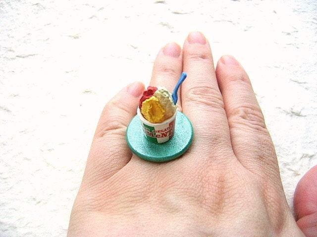 Italian Gelato Ice Cream Ring