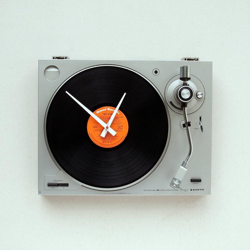 Cool Turntable Wall Clock   dailyshit design       ShockBlast
