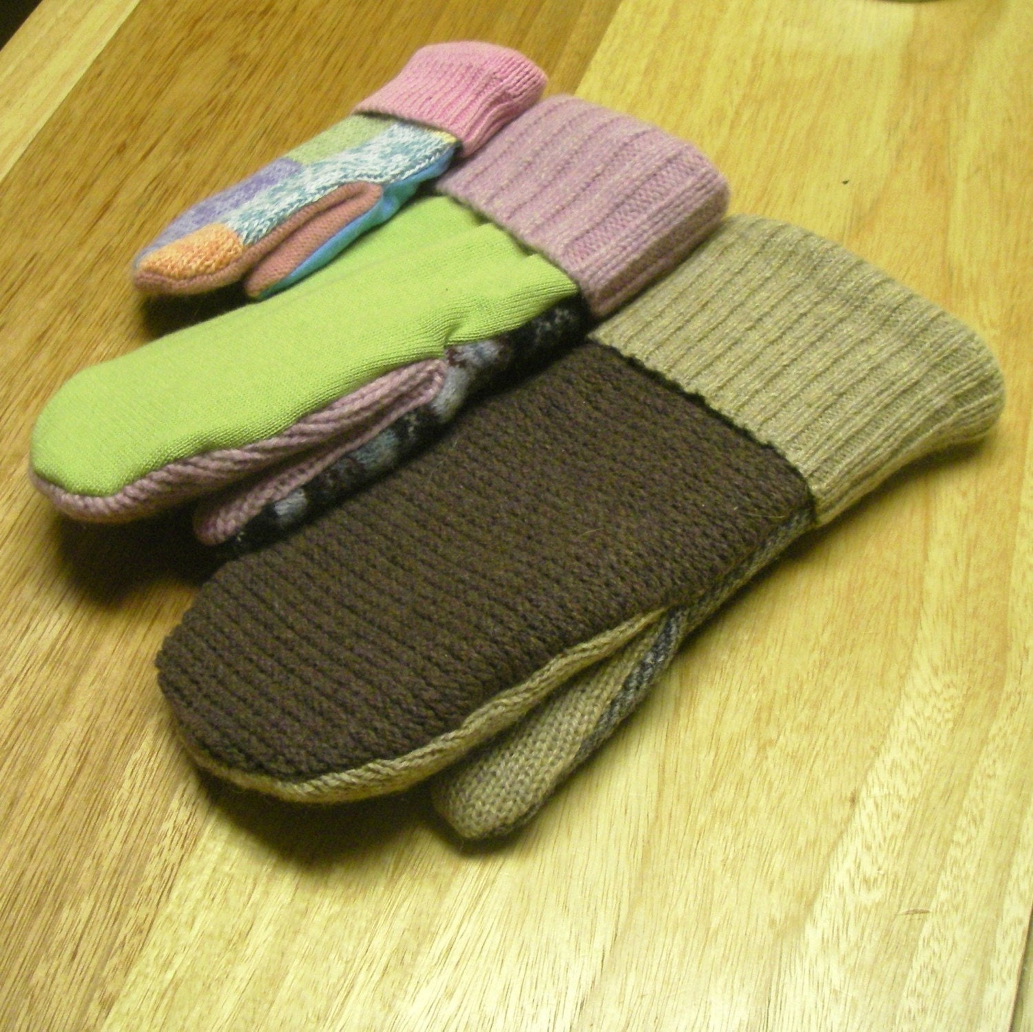 Mittens and Hats = knitting pattern, knit, 2 needle mittens, free