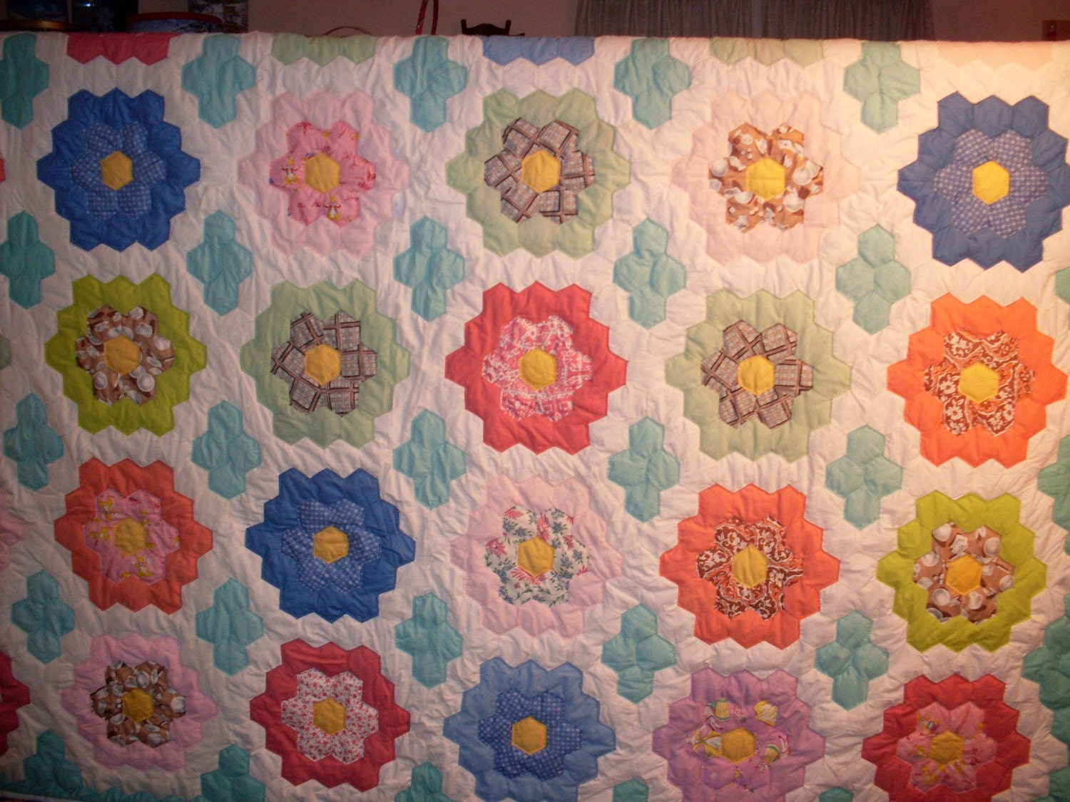 It's All About The Fabric: How Do You Make A Grandmothers Flower ... : grandmothers garden quilt - Adamdwight.com