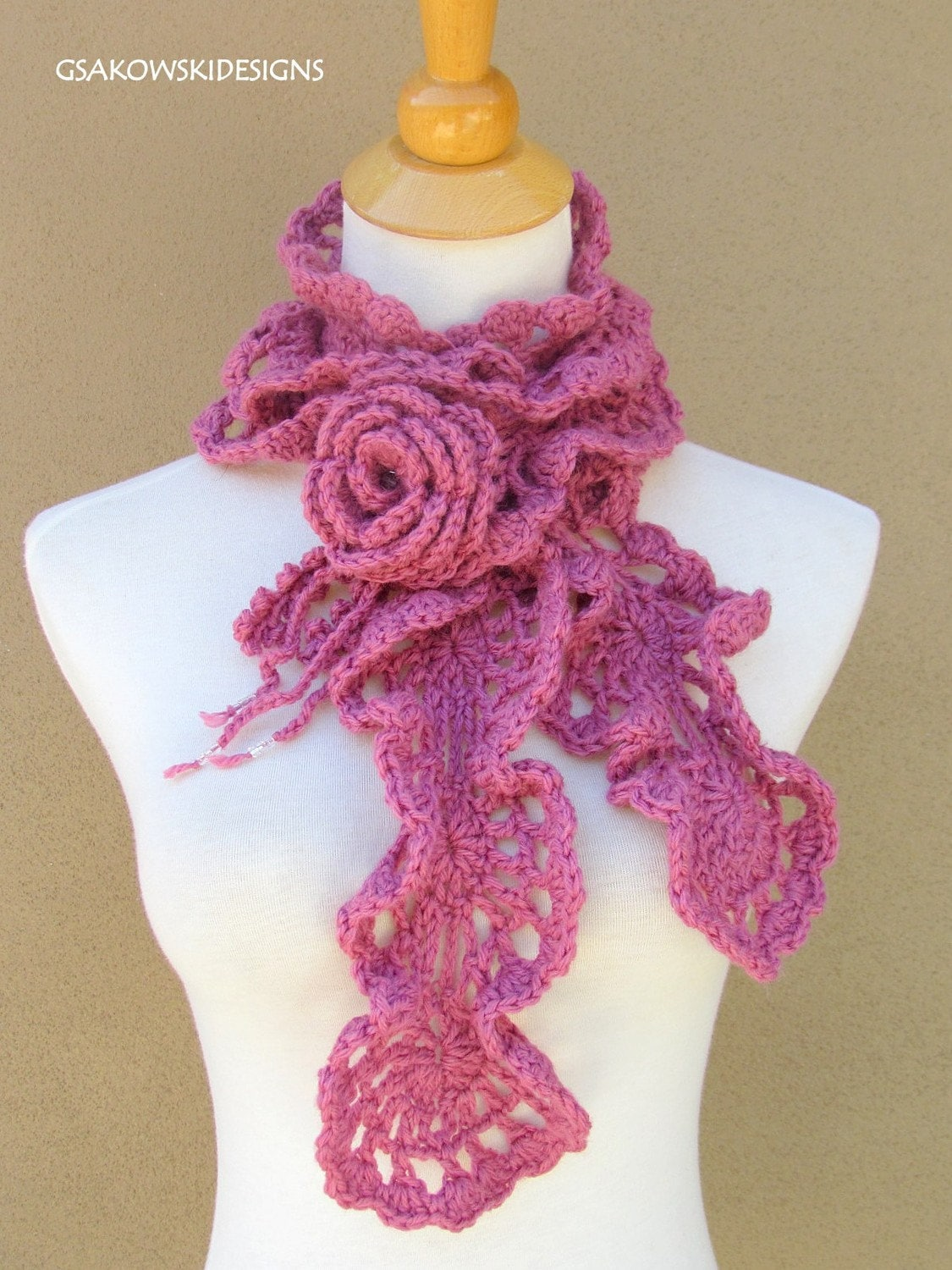 PATTERNS FOR CROCHETED SCARVES  Crochet Club Free Patterns Crocheted Scarves Children