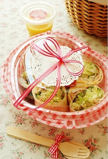 Picnic Lunch Container Box - Pink Heart