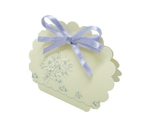 Scallop Boxes with violet ribbon - set of 2