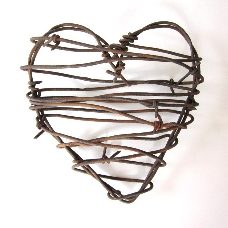Barbed Wire Heart Cowboy 39s Heart rustic wedding decor love western