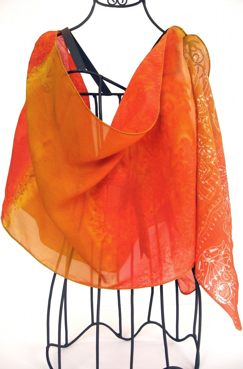 KavitaKriti - Indian luxury silk scarves. Hand painted. Hand Dyed. Handmade.