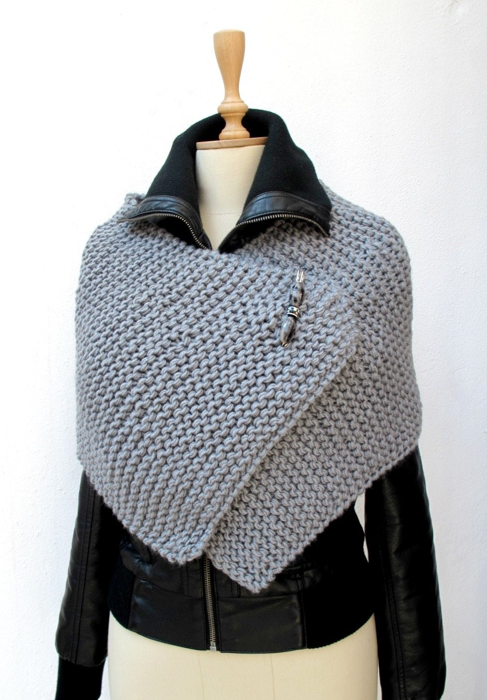 Knitting Pattern Wrap : CROCHETBUTTERFLY: Knitting Knit Knitted Capelet, Poncho Wrap Grey Chunky Spor...