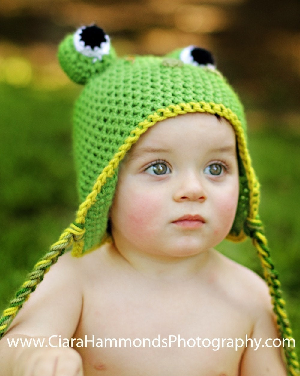 Crochet pattern bear earflap hat with bow, includes 4 sizes from