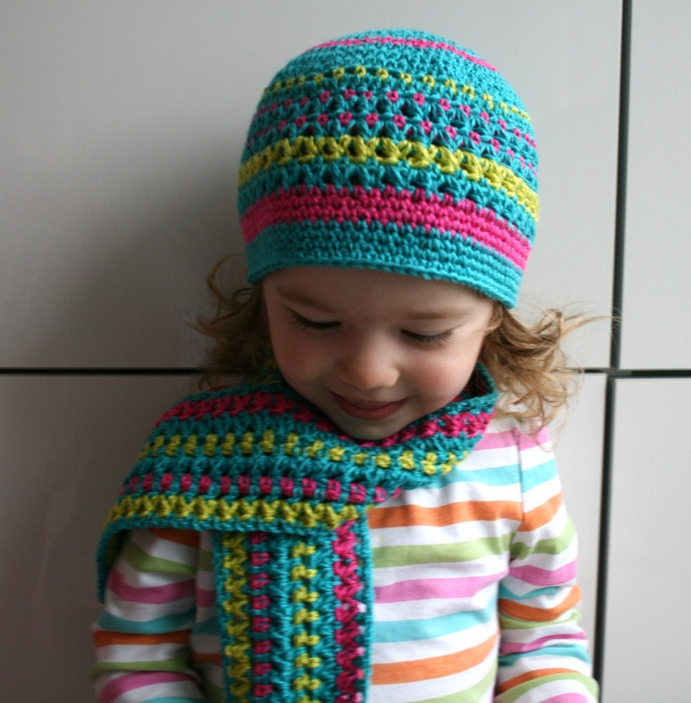 Diagonal Hat and Scarf Knitting Pattern | FaveCrafts.com