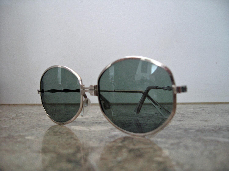 vintage 1960's beatnik hippie metal frame sunglasses