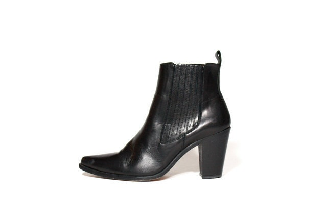 Shop Kenzo Boots For Women from all the best online stores on Nuji. Get new arrivals, stock and sale alerts.