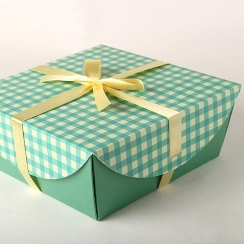 5 Green Check Pattern Gift Paper Box,(box+ ribbon)
