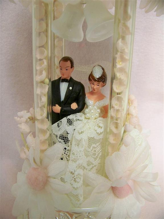 Vintage Wedding Cake Topper 60 39s Pink Daisies Bride and Groom From snogirl