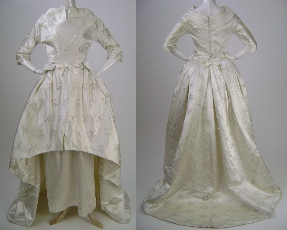 1960's Wedding Gown Wedding Dress Dramatic Embroidered Floral