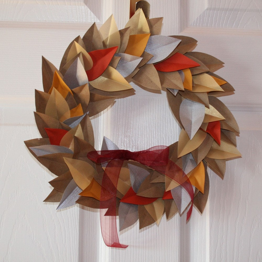 Ulixis crafts item of the day autumn paper leaf wreath for Leaf crafts for adults