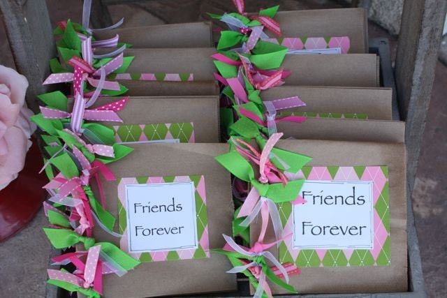 adorable pink and green party favors polka dot birthday. Black Bedroom Furniture Sets. Home Design Ideas