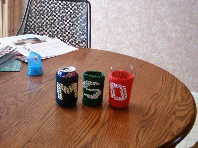 A Merry Mishap: DIY crocheted glass bottle cozy