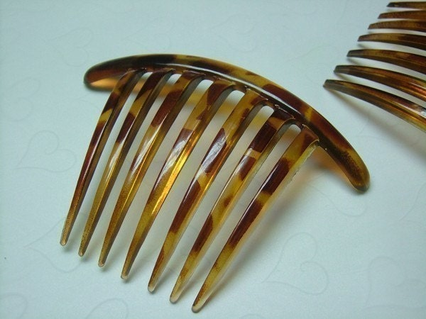 Hair And Tortoise. Plastic Tortoise Hair Comb