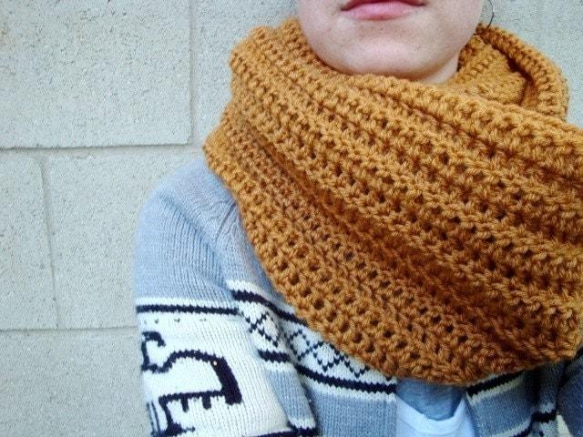 Tie rack grey italian snood. boys snood knitting pattern